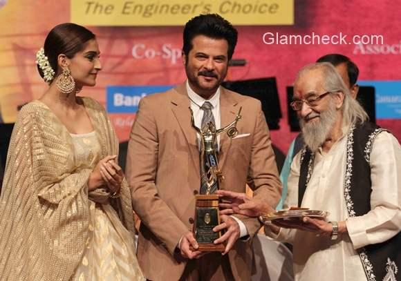 Anil Kapoor conferred the Master Dinanath Mangeshkar Awards