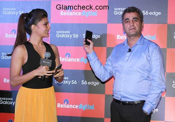 Jacqueline Fernandez Launches Samsung Mobile S6 and S6 Edge in Mumbai