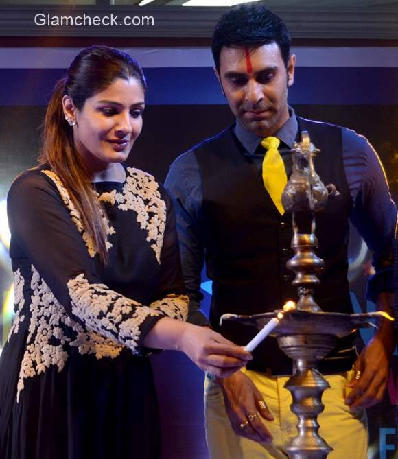 Raveena Tandon opens the India Dance Week with Sandip Soparrkar