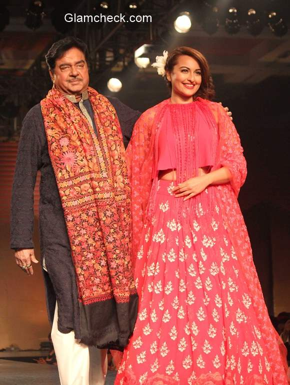 Shatrughan Sinha and Sonakshi Sinha pic 2015