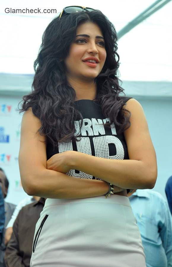 Shruti Haasan in Gabbar is Back