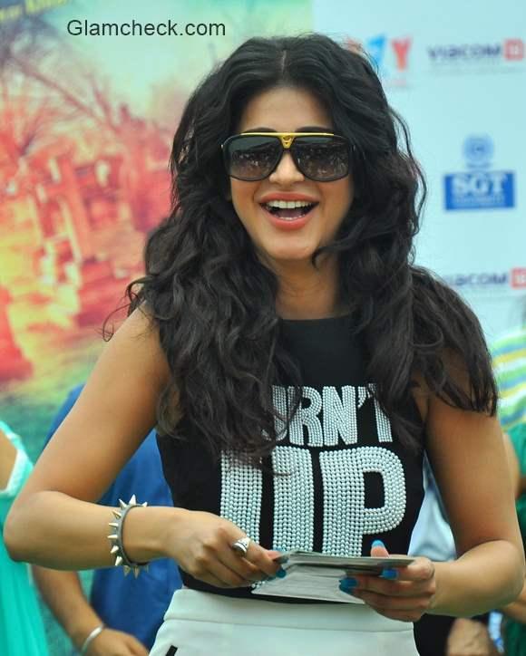 Shruti Haasan promotes Gabbar is Back in Gurgaon