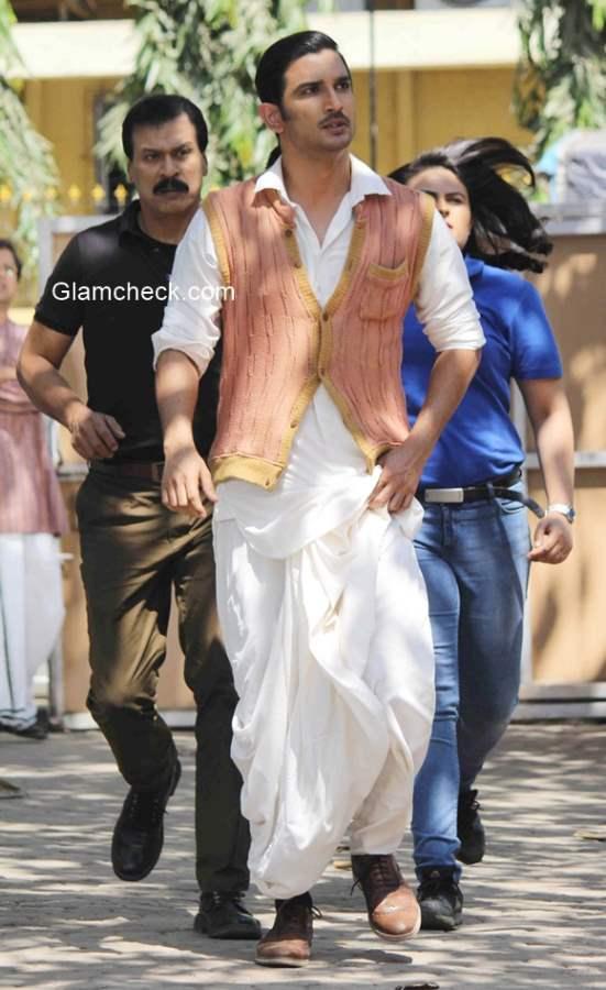 Sushant Singh Rajput and Anand Tiwari promote Detective Byomkesh Bakshy on the set of CID