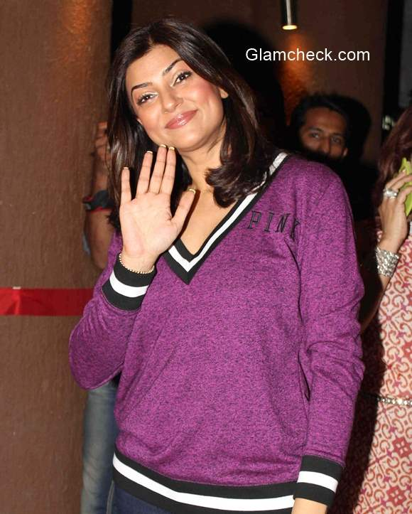 Sushmita Sen at the opening of Soapbox and Makeover Salon ...