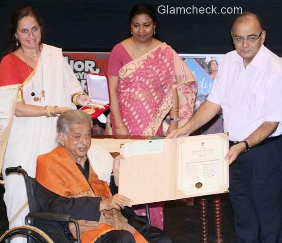 Actor Shashi Kapoor presented the Dadasaheb Phalke Award