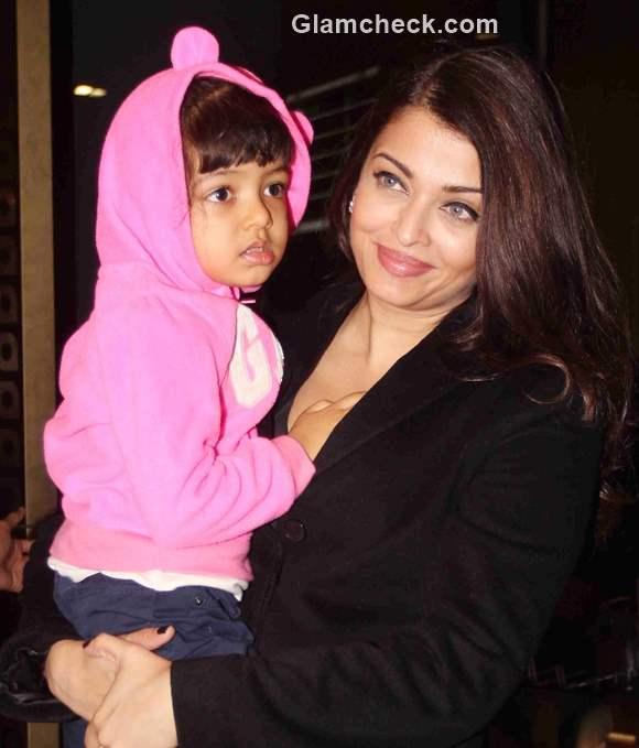 Aishwarya Rai Bachchan spotted at Mumbai Airport with her daughter Aaradhya