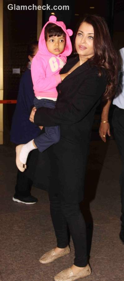 Aishwarya Rai Bachchan with her daughter Aaradhya