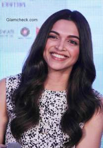 Deepika Padukone and Juhi Chaturvedi launch 'Piku gold jewellery'