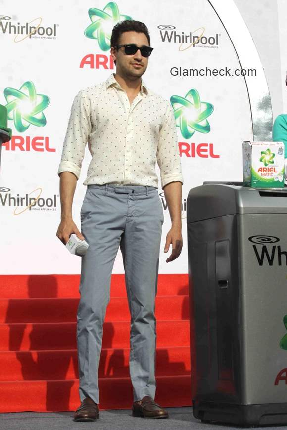 Imran Khan at Ariel Share the Load event