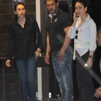 Kareena Kapoor and Karisma Kapoor visit Salman Khan residence in Mumbai
