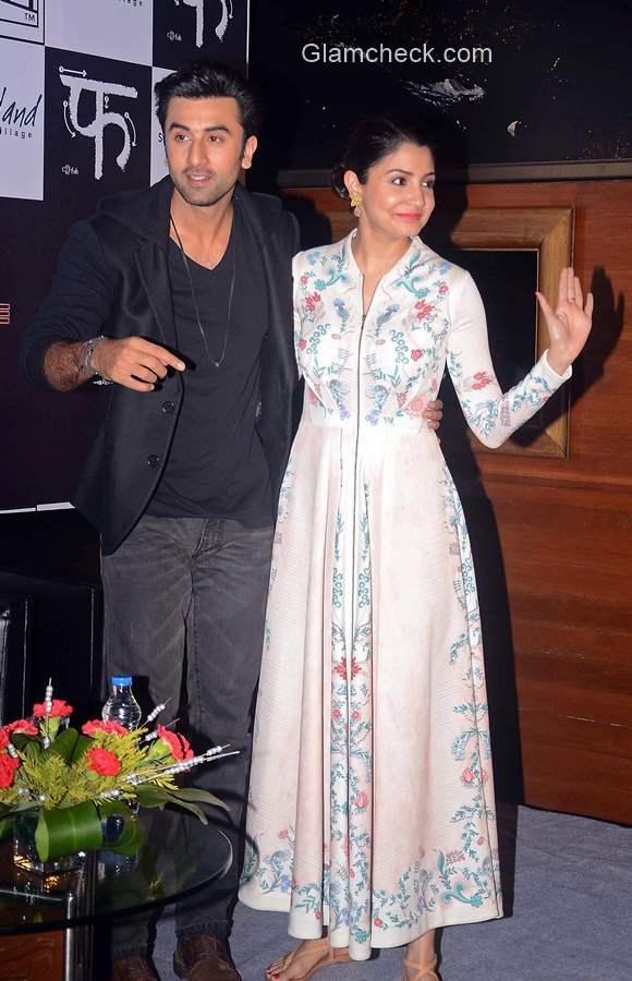 Ranbir Kapoor and Anushka Sharma in Kolkata for Bombay Velvet promotions