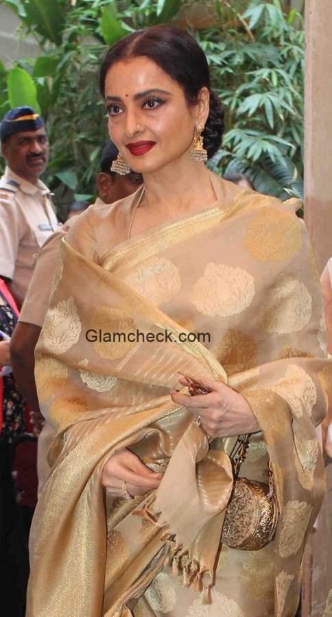Rekha at the Dadasaheb Phalke Award ceremony