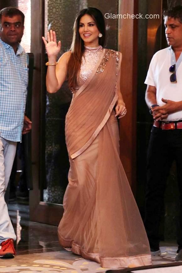Sunny Leone In Saree promotes Kuch Kuch Locha Hai in New Delhi
