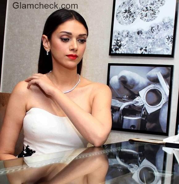 Aditi Rao Hydari at the preview of Forevermark Diamond Jewellery Collection