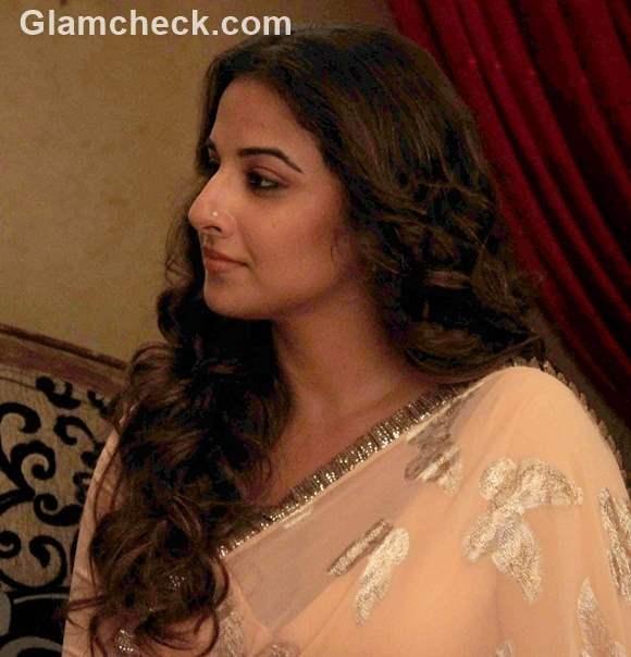 Vidya Balan on the sets of Itna Karo Na Mujhe Pyar