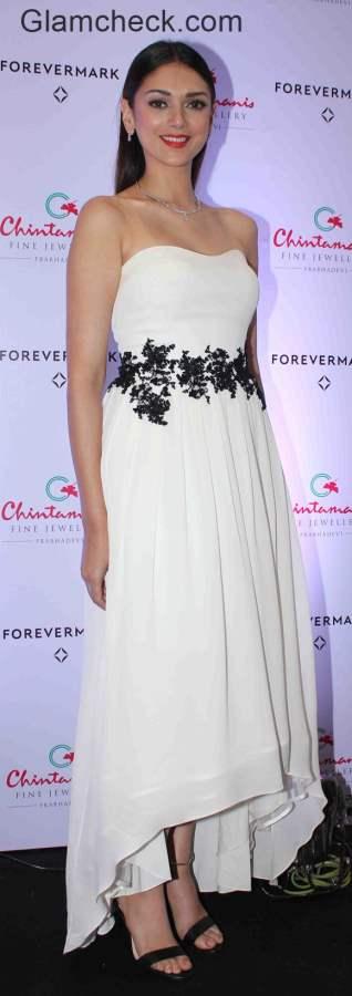 White Gown Aditi Rao Hydari