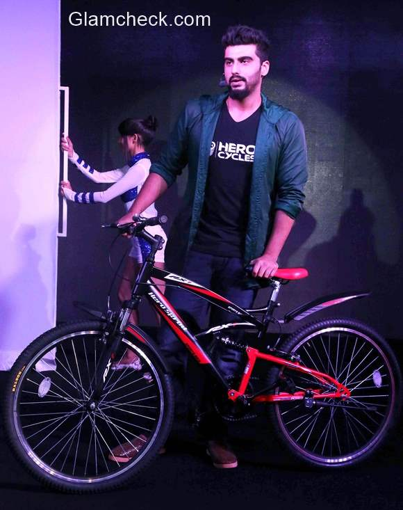 Arjun Kapoor launches a limited edition AKcelebrity sports cycle from Hero Cycles