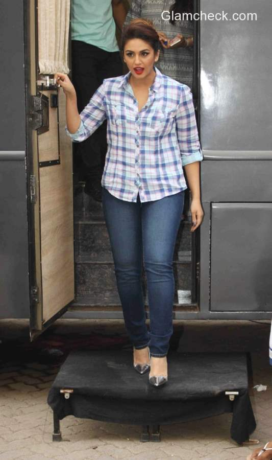 Huma Qureshi  pairs classic plaid shirt with blue jeans