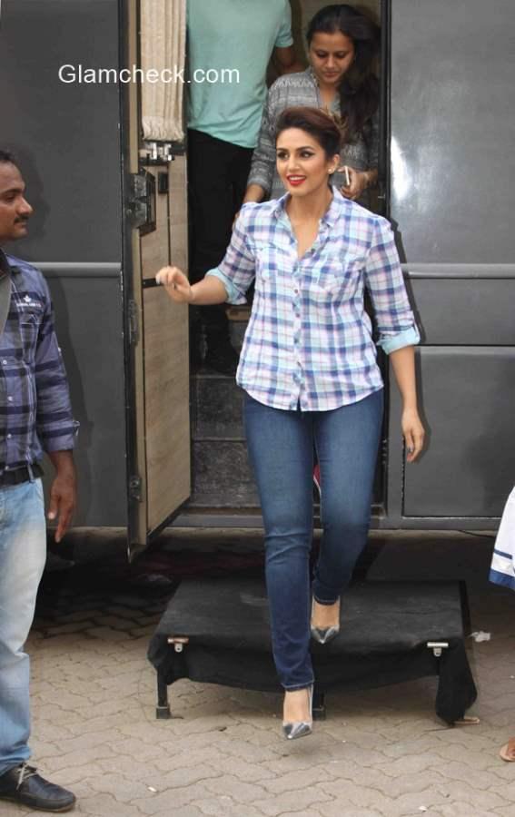 Huma Qureshi  wears classic plaid shirt with blue jeans
