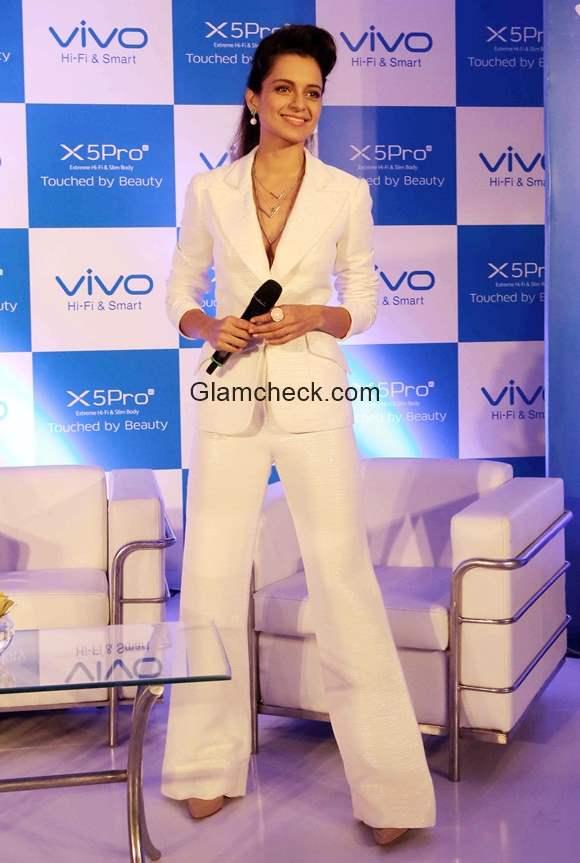 Kangana Ranaut launches Vivo X5 Pro smart phone in India