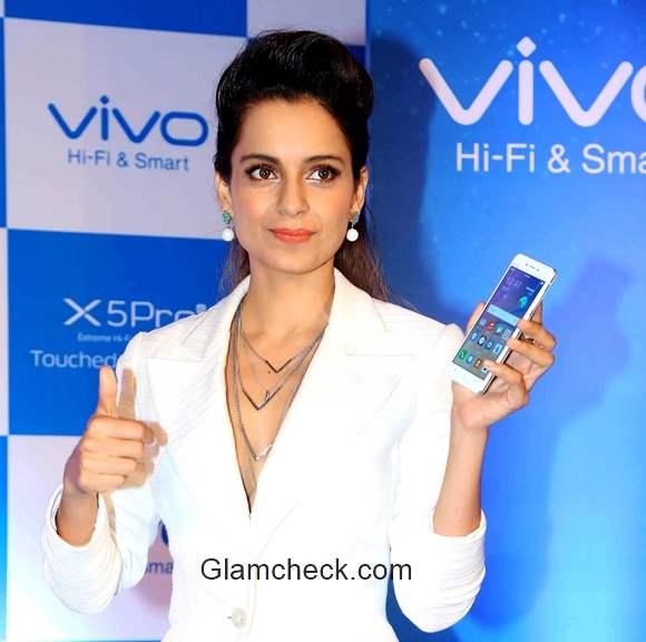Kangana Ranaut launches Vivo X5 Pro smart phone