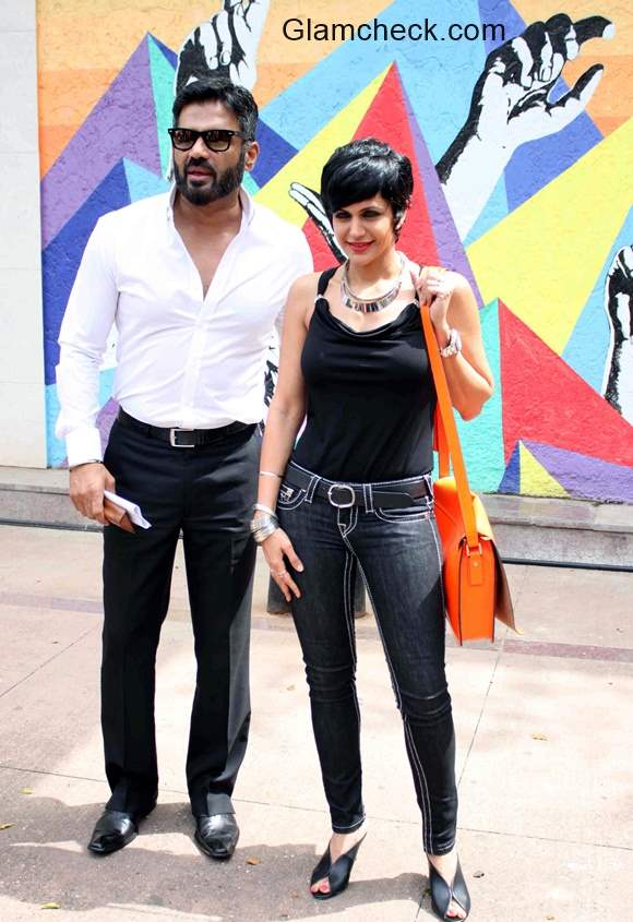 Mandira Bedi and Suniel Shetty launch Street Smart, Street Safe campaign