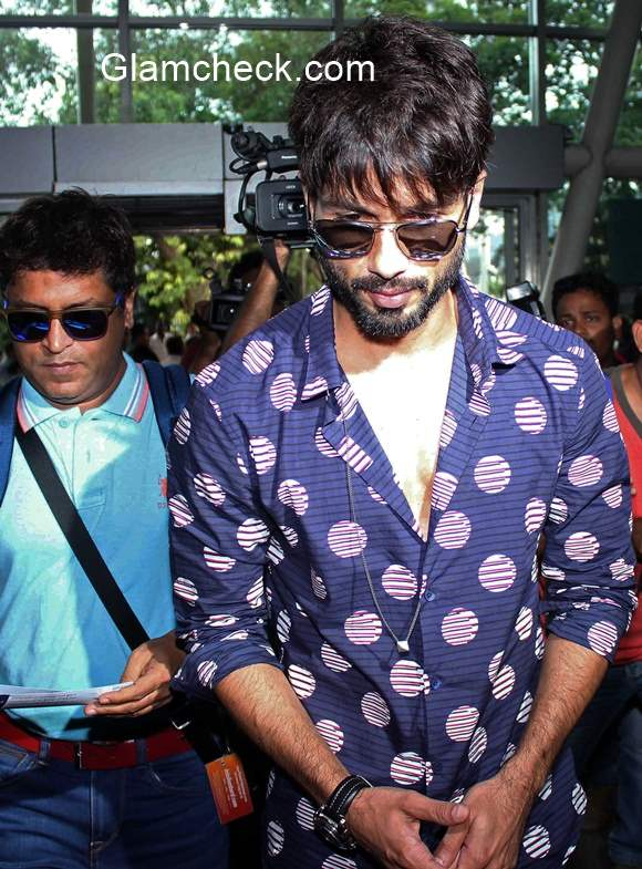 Shahid Kapoor arrives at Mumbai Airport