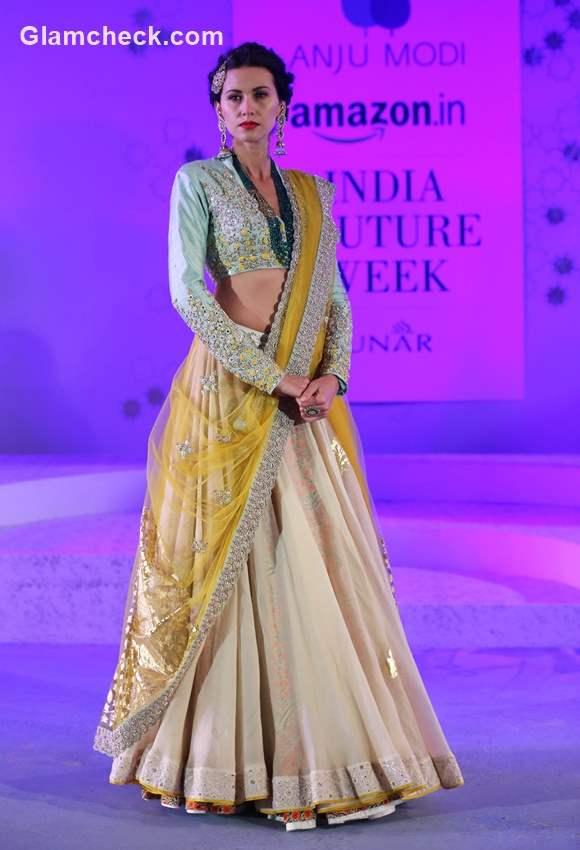 Amazon Couture Week 2015 - Anju Modi Kashish