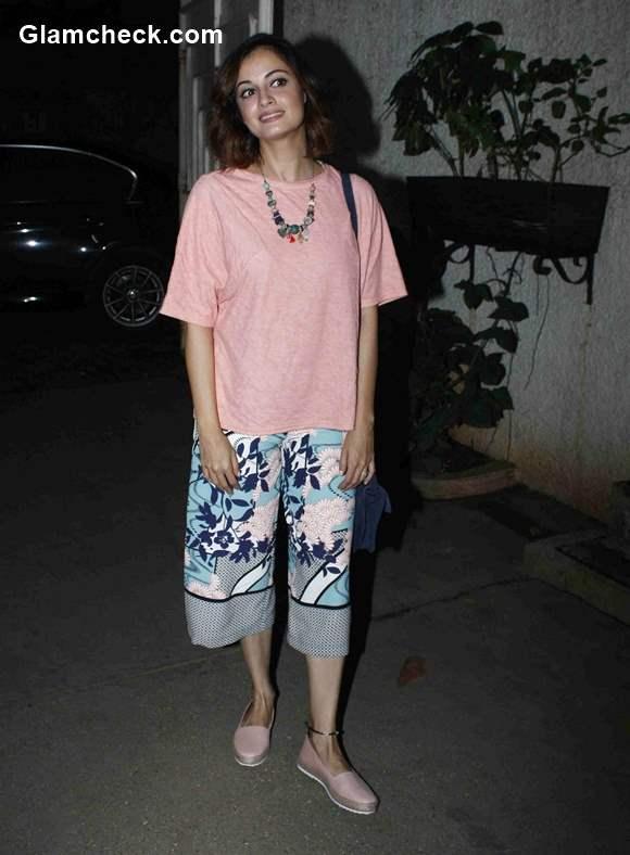 Dia Mirza goes de-glam for the screening of Jaanisaar