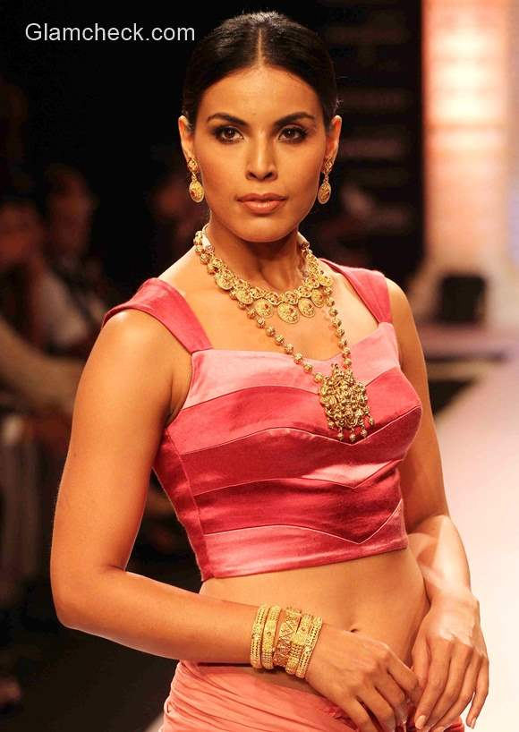 India International Jewellery Week 2015 Tanishq