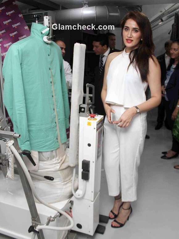 Sagarika Ghatge inaugurates 5aSec Group Dry Cleaning store