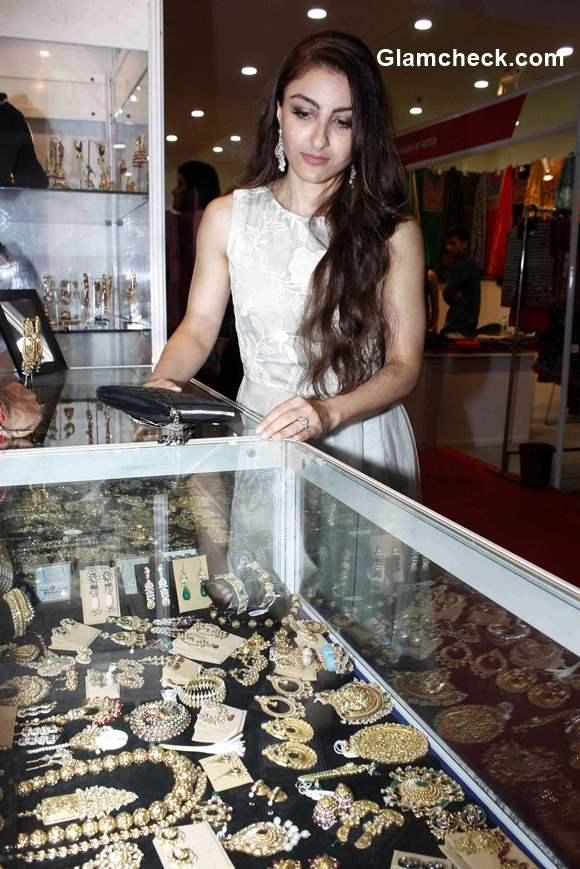 Soha Ali Khan inaugurates the Hi Life Exhibition 2015