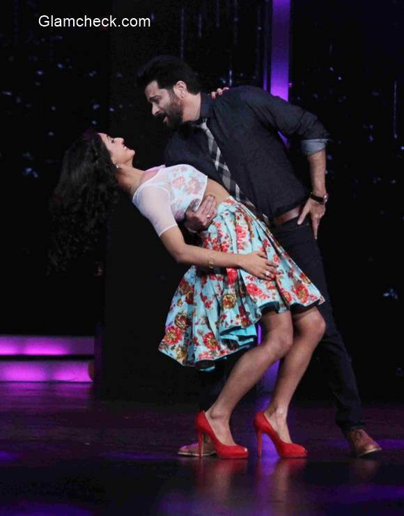 Anil and Shruti Haasan promote 'Welcome Back' on Dance Plus