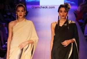 Halter neck blouse with plain saree