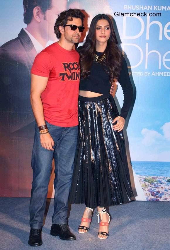 Hrithik Roshan and Sonam Kapoor at  the launch of Yo Yo Honey Singhs Dheere Dheere se