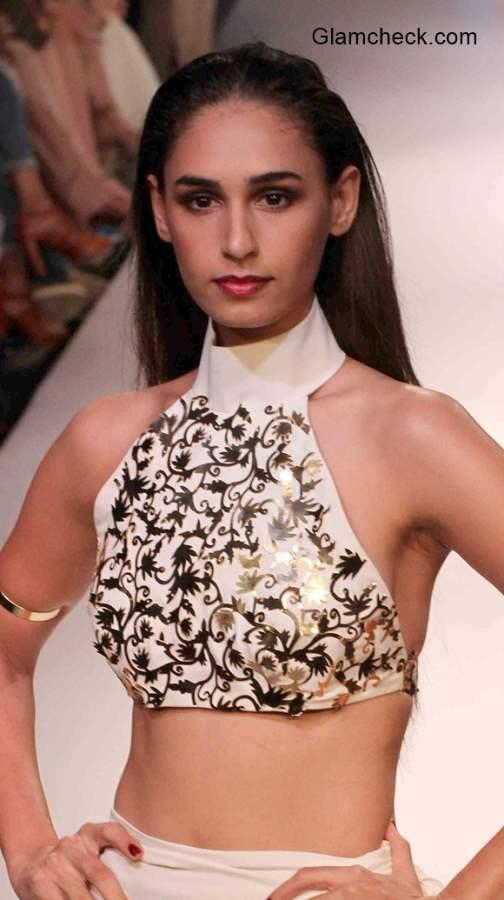Trendy Blouse Designs -Halter Neck