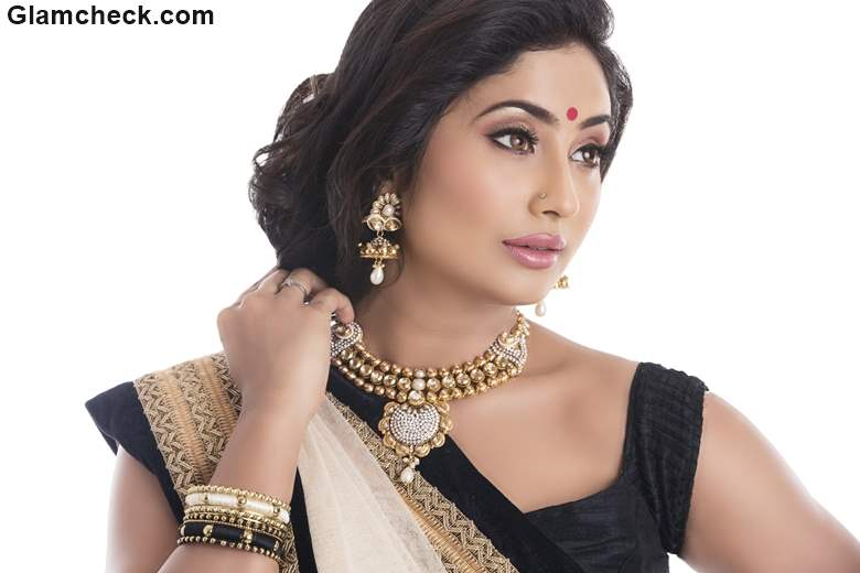 Indian Festival Look with Black White