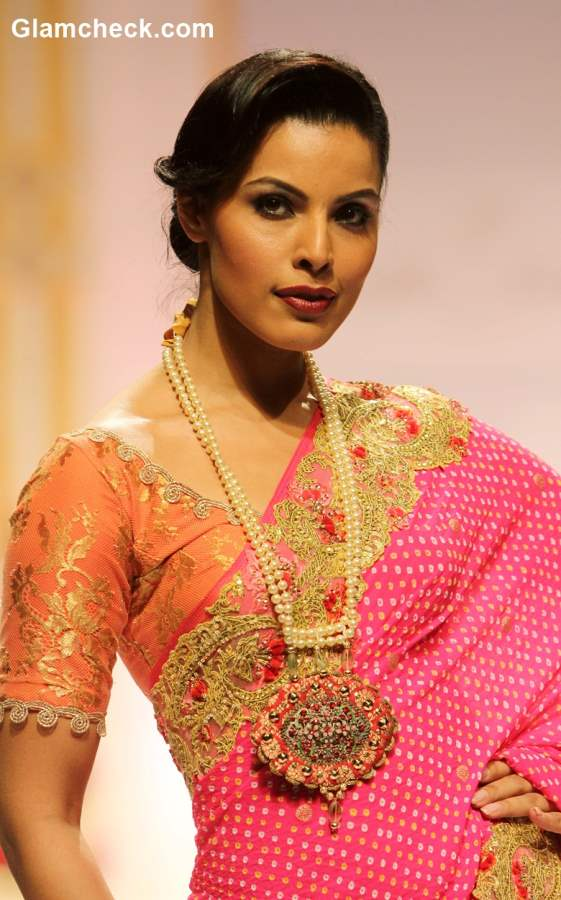 Indian Wedding Jewelry Trends pearl necklace