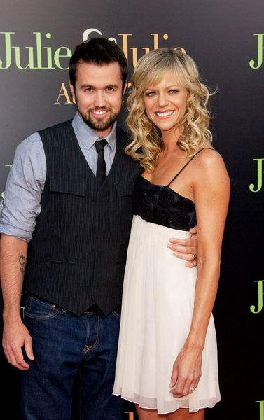 Kaitlin Olson Amp Rob McElhenney Welcome A Baby Boy