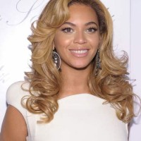 Beyonce hostess at 2BHAPPY jewelry launch