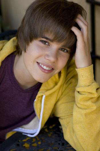 Justin Bieber goes charitable