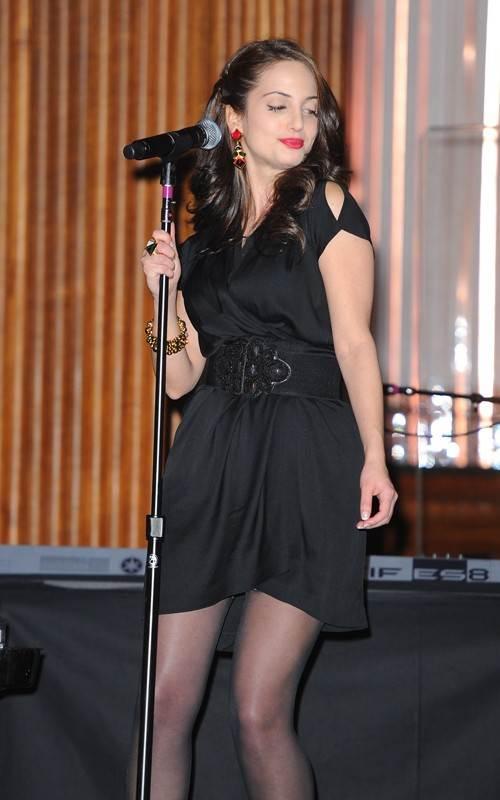 Alexa Ray Joel croons at NYC concert