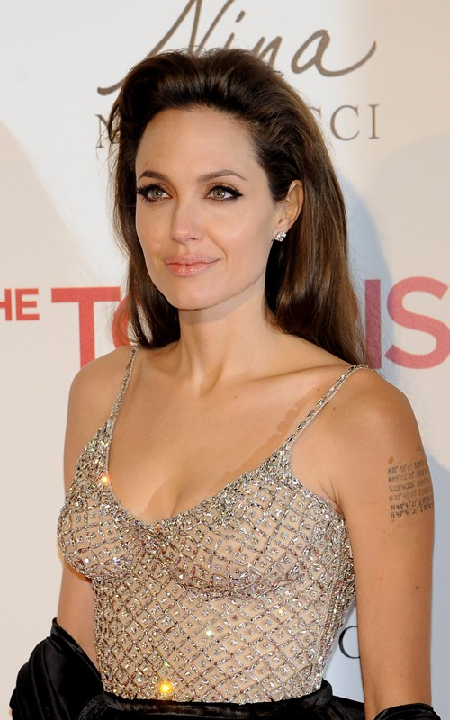 Angelina Jolie in Atelier Versace The Tourist Madrid Premiere