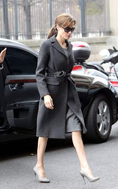 Angelina Jolie promotes The Tourist in Paris