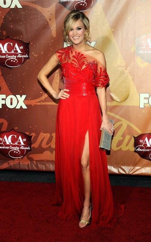 Carrie Underwood shines at American Country Awards