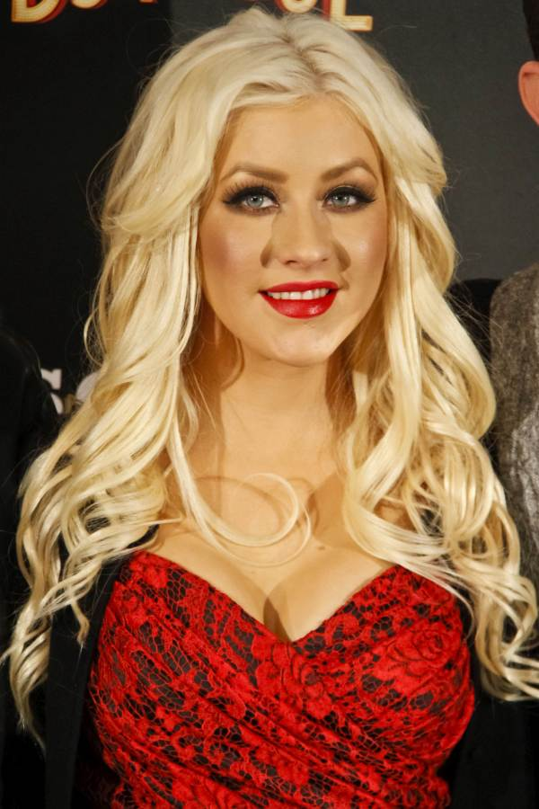 Christina Aguilera red hot at Burlesque Premiere in Madrid