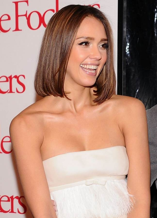Jessica Alba hairstyle-makeup  Little Fockers NYC Premiere