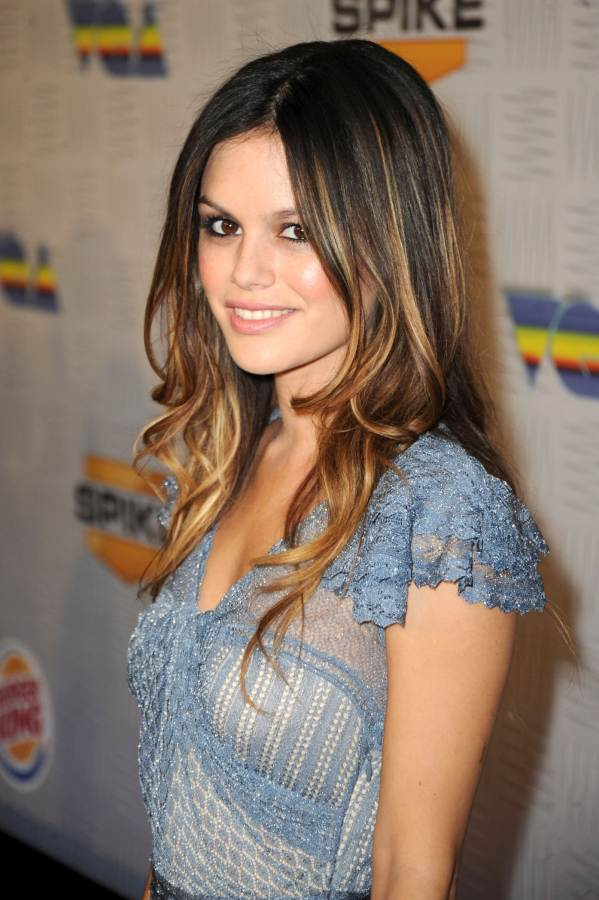 Rachel Bilson dolls up at Spike TVs 2010 Video Game Awards