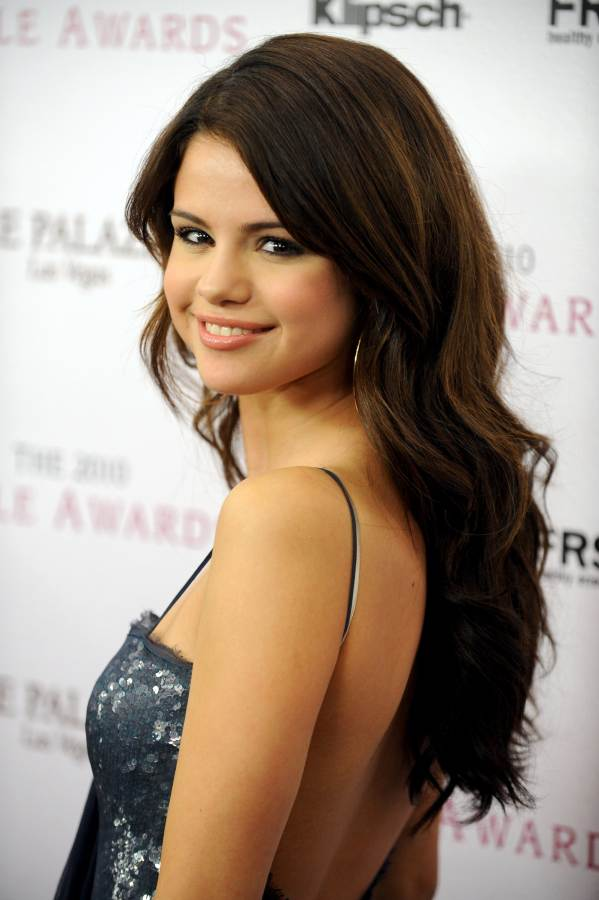 Selena Gomez at 2010 Hollywood Style Awards