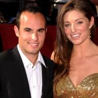 Soccer stud Landon Donovan seeks divorce